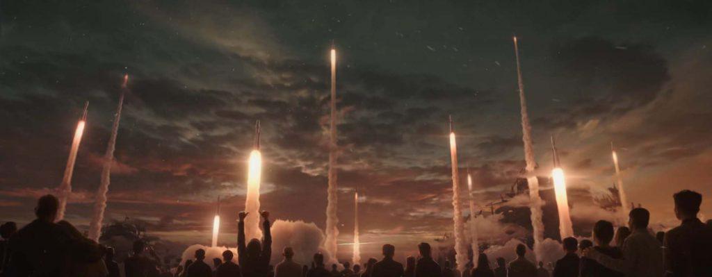 Cientos de cohetes despegando al mismo tiempo