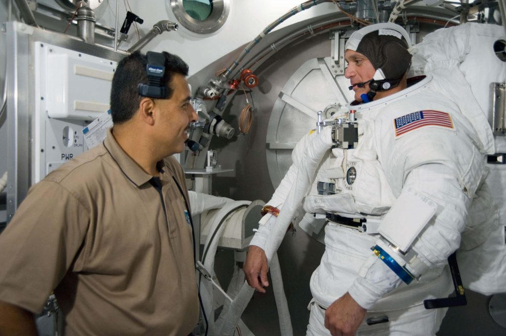 "Astronauta John ""Danny"" Olivas"