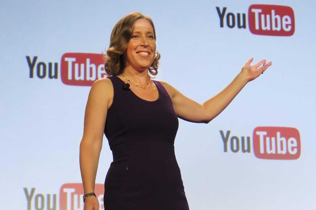 Susan Wojcicki al mano de YouTube