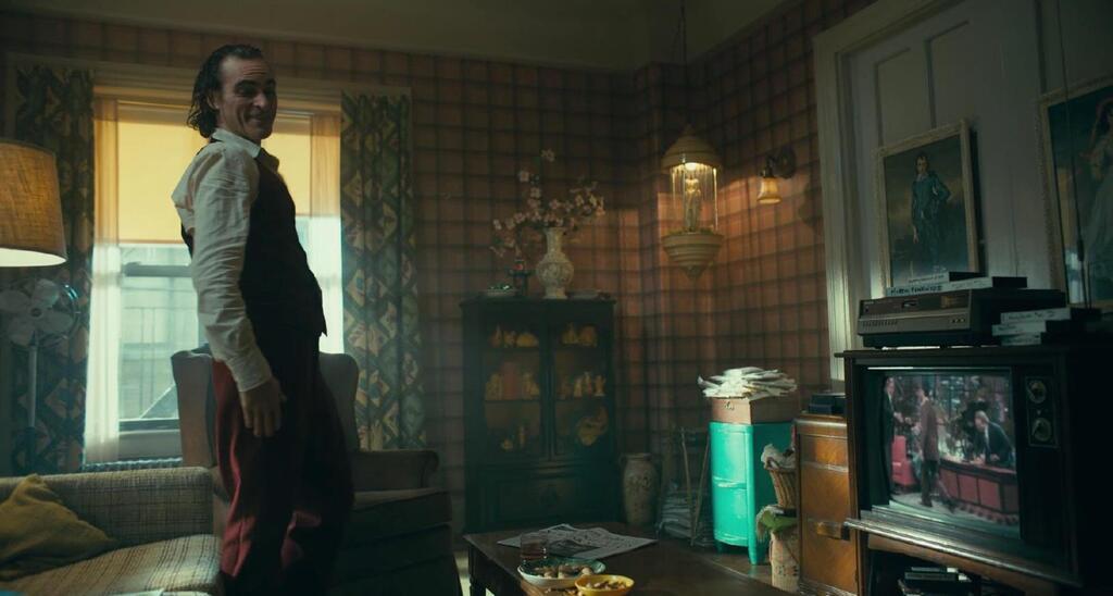Arthur Fleck en su apartamento
