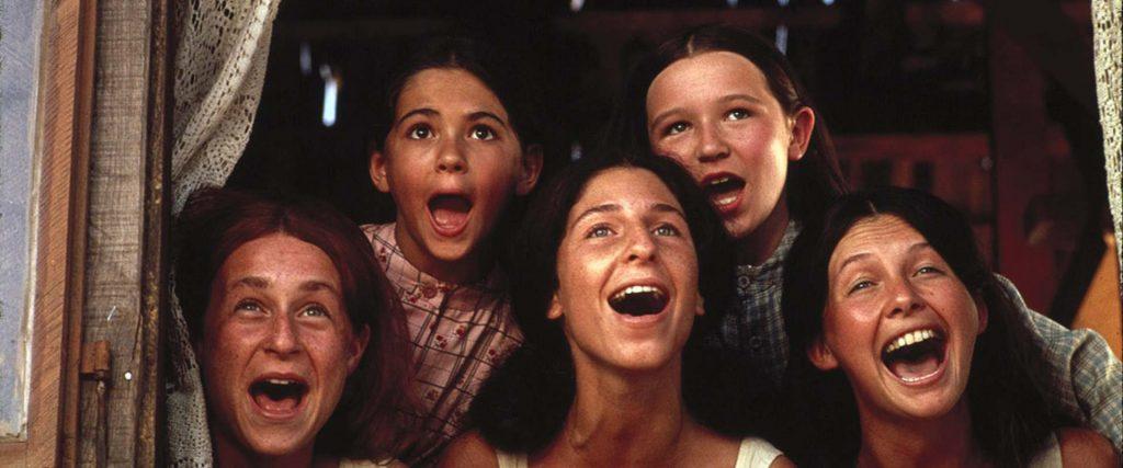 Las cinco hijas de Teyve, tres mayores y dos pequeñas.