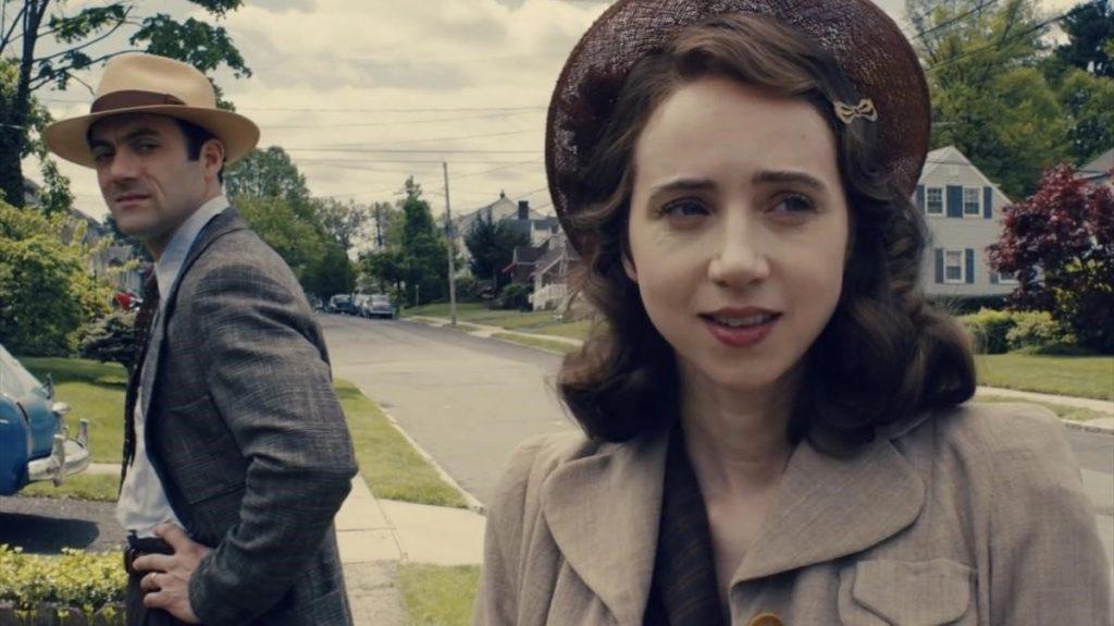 Morgan Spector y Zoe Kazan en 'La conjura contra América'