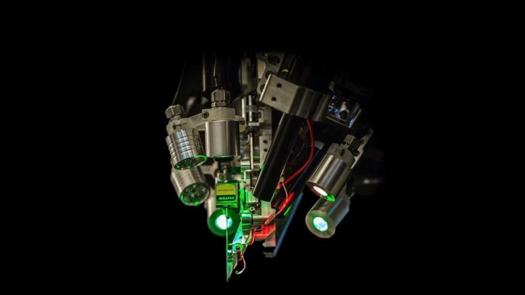 El cirujano robótico que coloca los electrodos Neuralink N1 en el cerebro