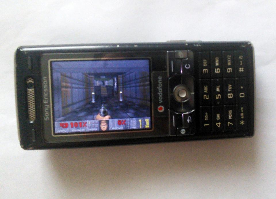 Doom en un Sony K-800i