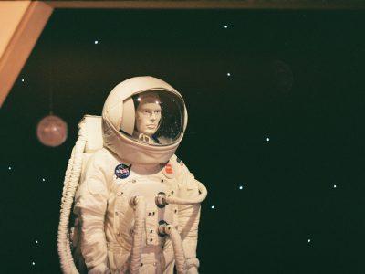 Muñeco de astronauta espacial