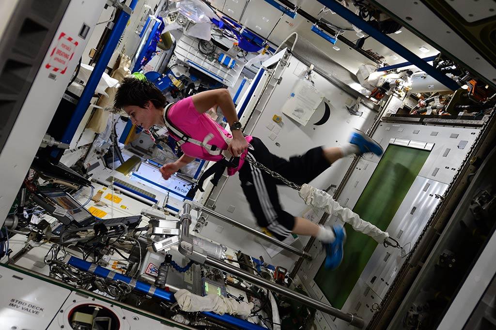 Los astronautas necesitan pasar mucho tiempo haciendo ejercicio solo para evitar que sus músculos se desgasten